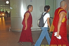 Arr-@Airport-2009-04-21-012